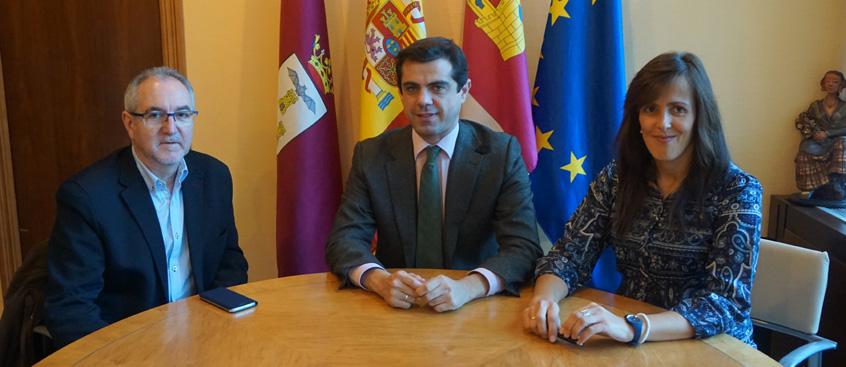 El presidente de esclerosis múltiple se reúne con el Alcalde