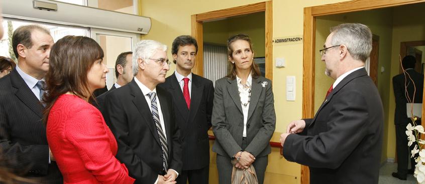 S.A.R. la Infanta Dña. Elena de Borbón visita el Centro Integral  de Esclerosis Múltiple