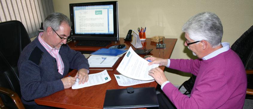 sclerosis Múltiple y Fundación Caja Rural firma un convenio