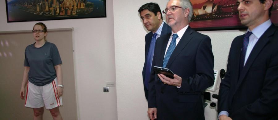 El Consejero de Sanidad y Asuntos Sociales visita CIEN