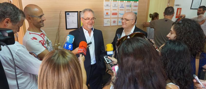 El Delegado visita el centro de Esclerosis Múltiple