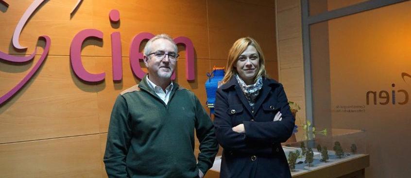La portavoz de ciudadanos visita el centro de Esclerosis Múltiple