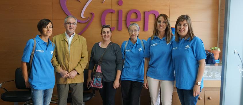 voluntarios de la caixa visitan esclerosis múltiple