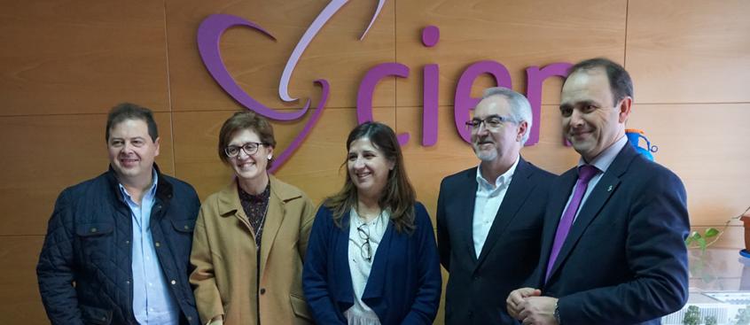 El SESCAM conoce el funcionamiento del Centro de Esclerosis Múltiple de Albacete
