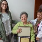 Esclerosis Múltiple entrega una placa de agradecimiento por la I Carrera Solidaria Las Anorias