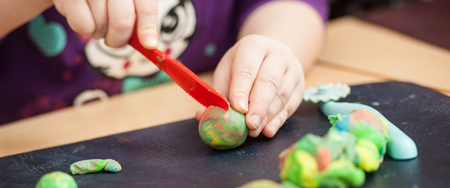 El juego es una actividad fundamental en elprocesoevolutivo de los niños