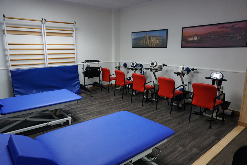 sala de fisioterapia del centro de esclerosis múltiple