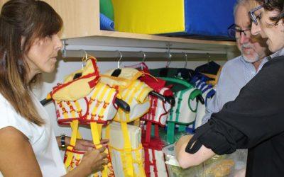 María Gil y LLanos Navarro visitan las nuevas instalaciones del Centro de Esclerosis Múltiple
