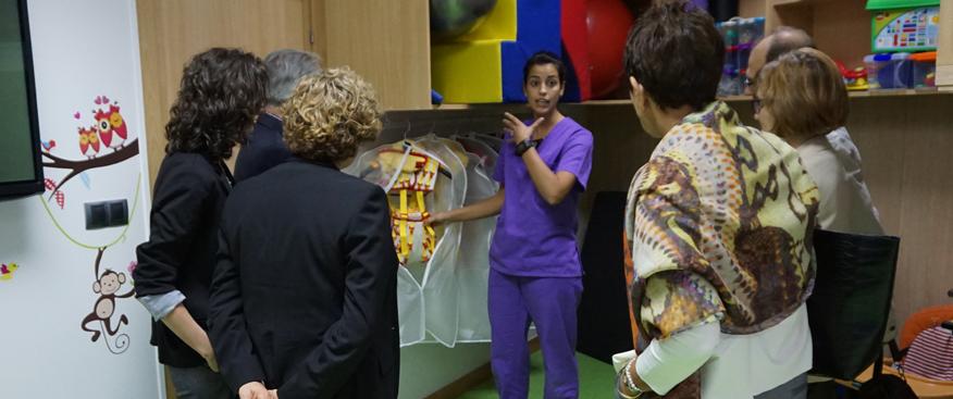 Las directoras generales de Sanidad visitan el Centro de Esclerosis Múltiple