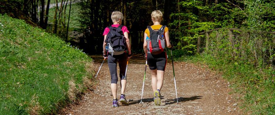 Se recomienda la Marcha Nórdica para pacientes con patologías neurológicas