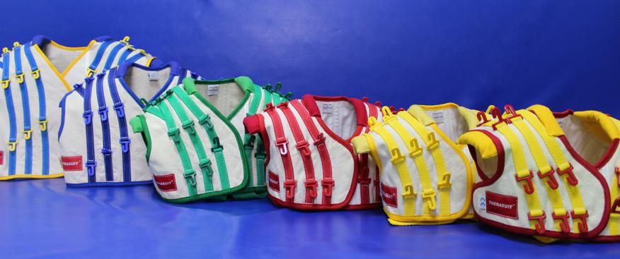 Las diferentes tallas del traje Therasuit para aplicar tanto en niños como en adultos