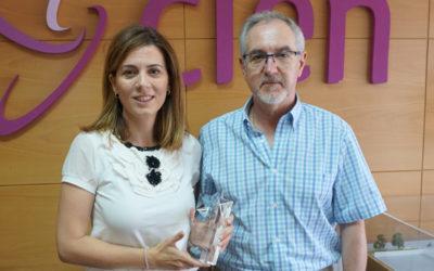 Merck recoge el premio entregado por la Asociación de Esclerosis Múltiple